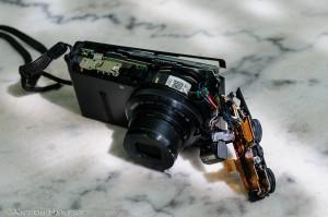 Nikon P330: niet bestand tegen een val van 3 hoog...