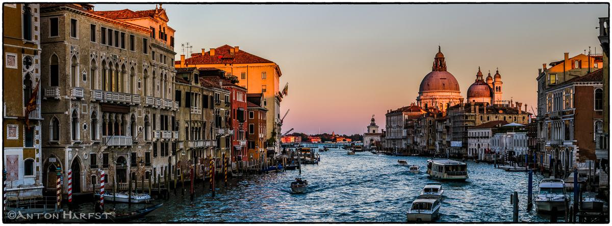Venetie-Canal-Grande-Sunset_20141026_0801-06 as Smart Object-1w